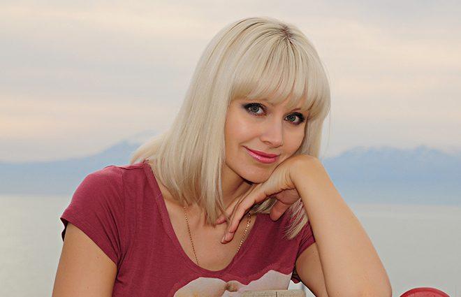 Вона так постаріла!!! Співачка Наталі вперше показала спільне фото з новонародженим синочком