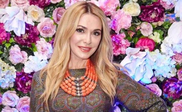 Ось вона українська краса!!! Ольга Сумська захопила своїм молодим виглядом в стильному вбранні