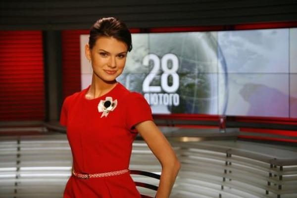Тільки не обпечіться!!! Відома українська ведуча показала відверті фото з еротичної фотосесії (18+)