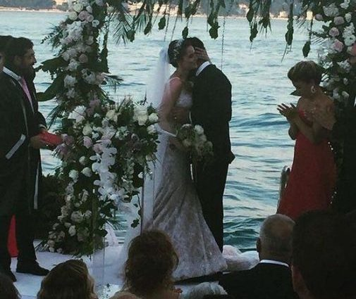 Зірка серіалу «Величне століття» влаштував розкішне весілля! Фото від, яких у Вас голова піде ОБЕРТОМ!