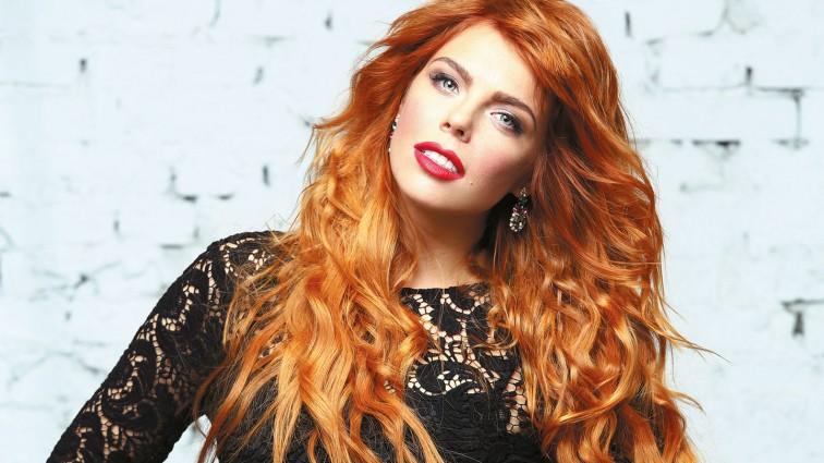 Неймовірно: Анастасія Стоцька зачарувала шанувальників новою зачіскою і розкішною червоною сукнею