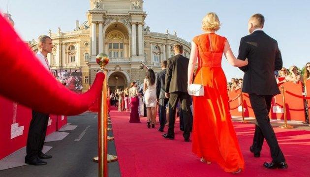 Голівуд відпочиває! Українські зірки здивували всіх на відкритті Одеського кінофестивалю. Такого від них ніхто не чекав