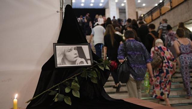 У Москві проходить церемонія прощання з актрисою Вірою Глаголєвою (ВІДЕО)