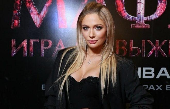 Сідниці-м'ячики: сексапільна Наталія Рудова похизувалася апетитними формами в стрінгах