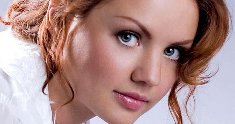 ШОК!!! Співачка МакSим жорстоко побила безхатченка (відео)
