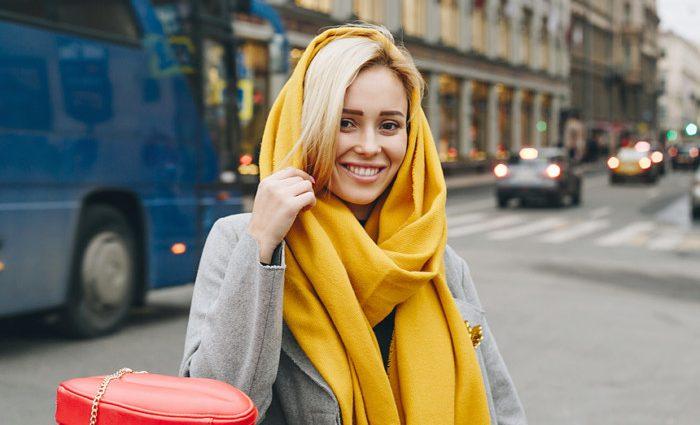 Модні осінні палантини: як вибрати і з чим носити