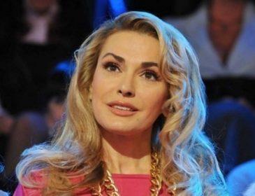 Що ж вона накоїла!!! Ольга Сумська кардинально змінила зачіску і стала копією своєї старшої сестри