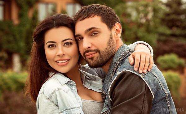 Нема коли страждати!!! Екс-наречена Козловського знялася у новій фотосесії у чому мати народила, а там є на що подивитися