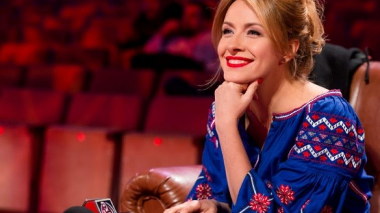 Афродіта!!! Неймовірна Олена Кравець звалила всіх наповал своїм ніжним вбранням, справжня українська краса