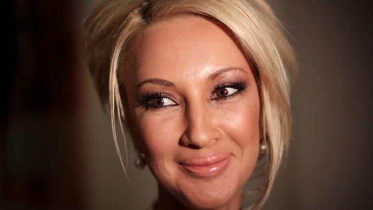 Лєра Кудрявцева шокувала «Нову Хвилю» сукнею без білизни. По дорозі загубила?