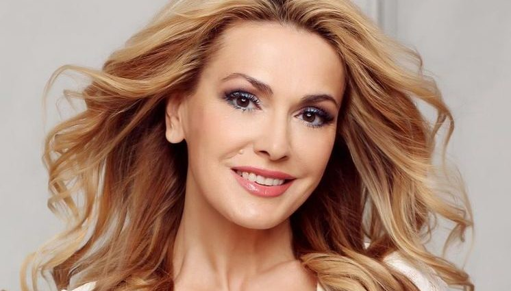 Ольга Сумська показала набагато молодше обличчя, ніж Тарабарова на спільному фото
