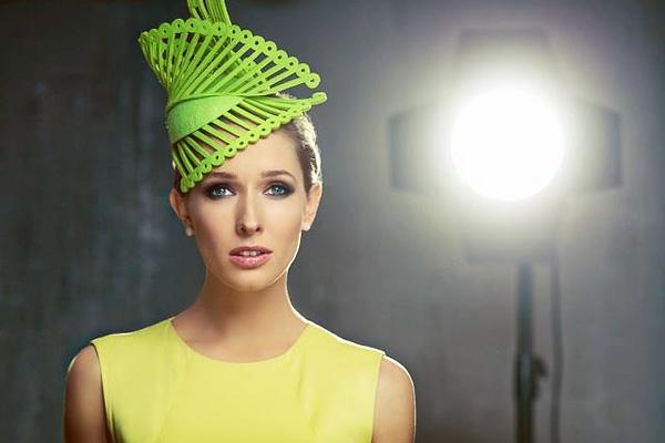 Катя Осадча затьмарила своїм луком популярну українську актрису