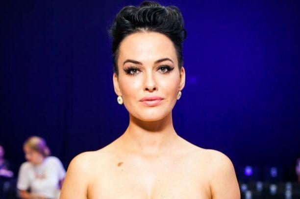 Даша Астаф'єва приголомшила стрункою фігурою в мініатюрній сукні