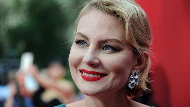 Рената Литвинова прокоментувала своє весілля зі співачкою Земфірою