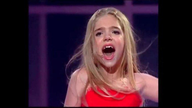 Ви її пам'ятаєте? Співачка Ассоль кардинально змінила зачіску і дуже схудла на навчанні в Лондоні (фото)