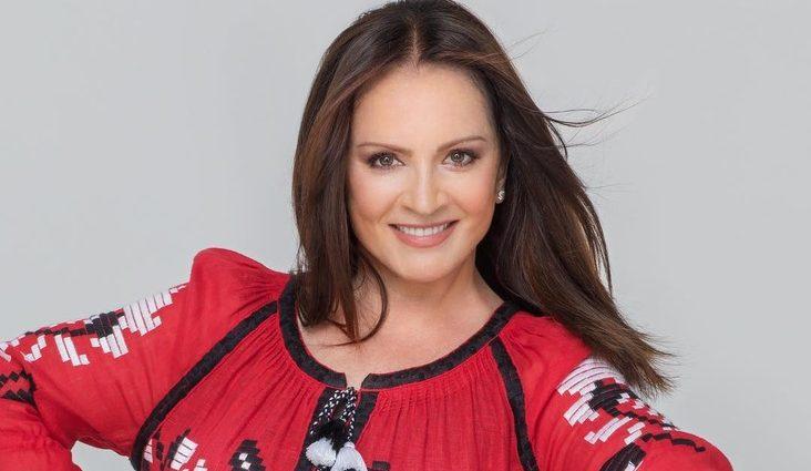 На високих підборах і в штанах: Софія Ротару вразила своїм виглядом на червоній доріжці