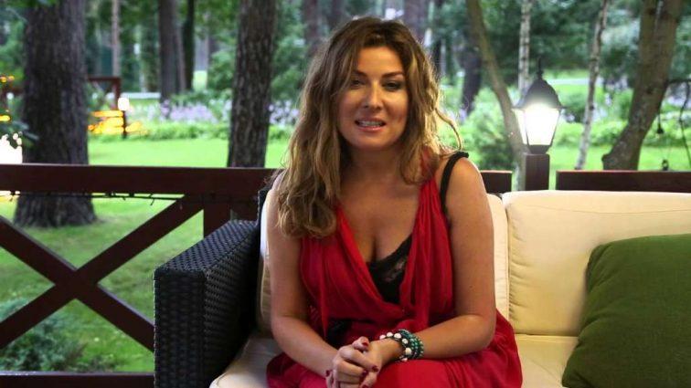 Жанна Бадоєва, яка повертається у шоу «Орел и Решка», показала стильний аутфіт