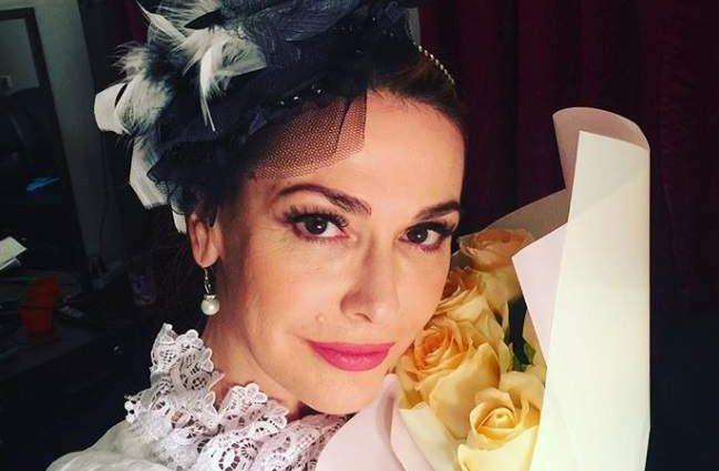 «Красиві квіти для красивої жінки»: Ольга Сумська показала нове фото