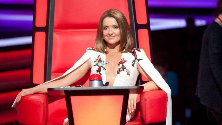 Наталія Могилевська показала розкішну розтяжку в дорожезній сукні