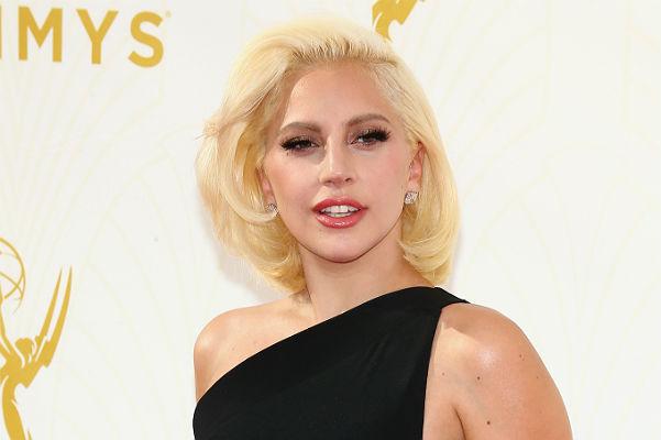 Леді Гага і її бойфренд заручилися