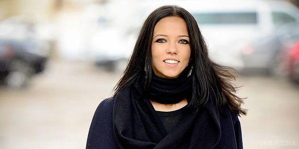 Елегантна і в чорному: Ірина Горова на балу підкорила шанувальників стильним образом