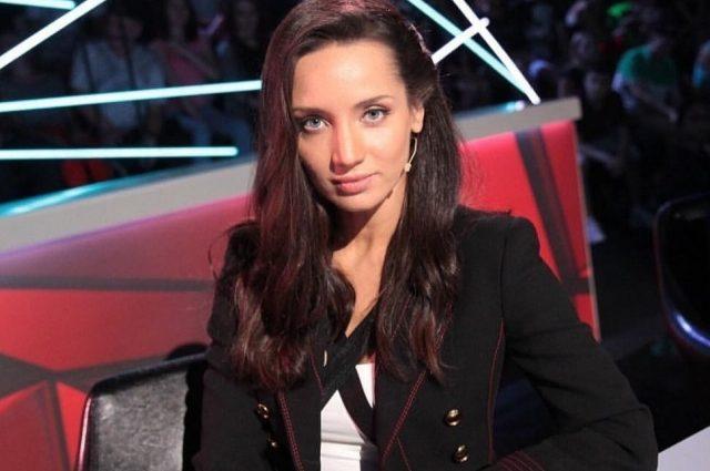 Просто дивовижна!: Тетяна Денисова у рваних джинсах напросилась на компліменти