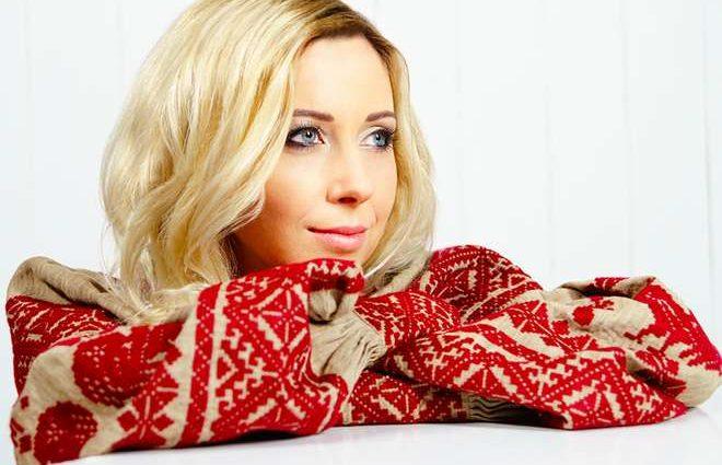 Тоня Матвієнко вийшла в світ в стильному образі