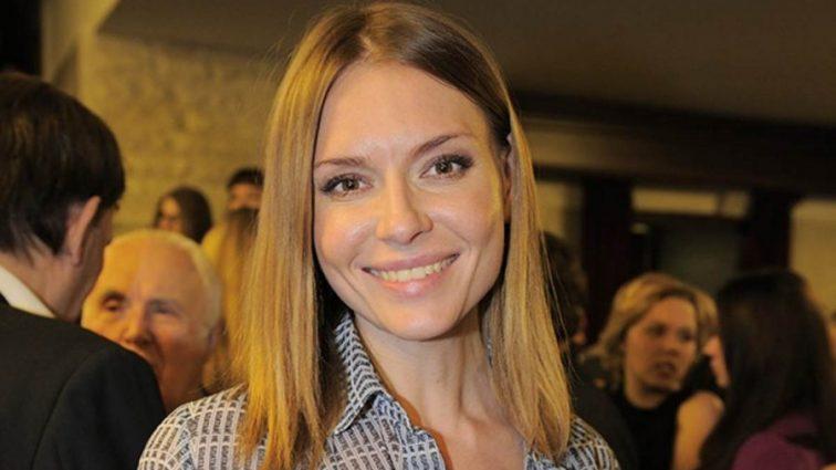 39-річна Любов Толкаліна здивувала прихильників фото топлес