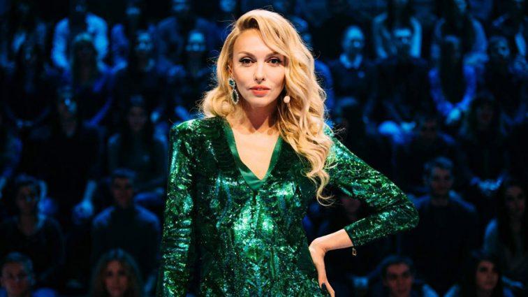Номінували на чергову премію: Полякова похвалилася стрункими ніжками