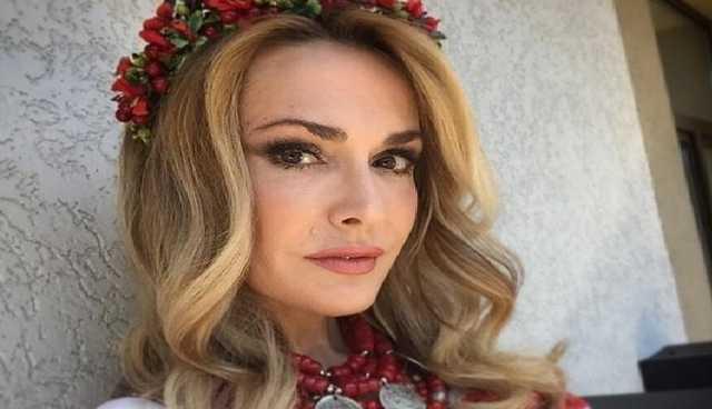 Гастролює по Україні:Ольга Сумська поїхала на море