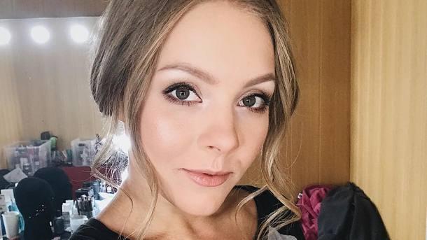 Олена Шоптенко здивувала прихильників стильним образом на гучній вечірці