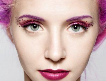 Як зробити макіяж очей з блискітками, аби не виглядати дешево та вульгарно