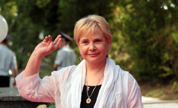 Рідко виходить у світ і майже не знімається в кіно: Тетяну Догілєву не впізнали шанувальники