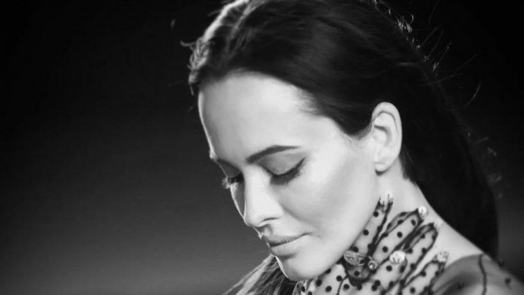 Даша Астаф'єва в новому кліпі розповіла про найголовніше