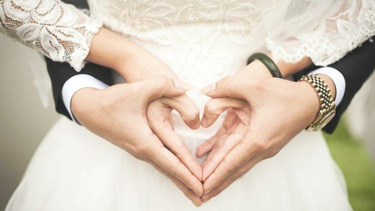 Аж очі засліплює! Показали найпопулярнішу весільну сукню, справжня розкіш