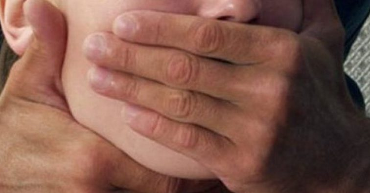 «Почав хапати за волосся, душити і роздягати»: зірку «Фабрики зірок» звинуватили в згвалтуванні