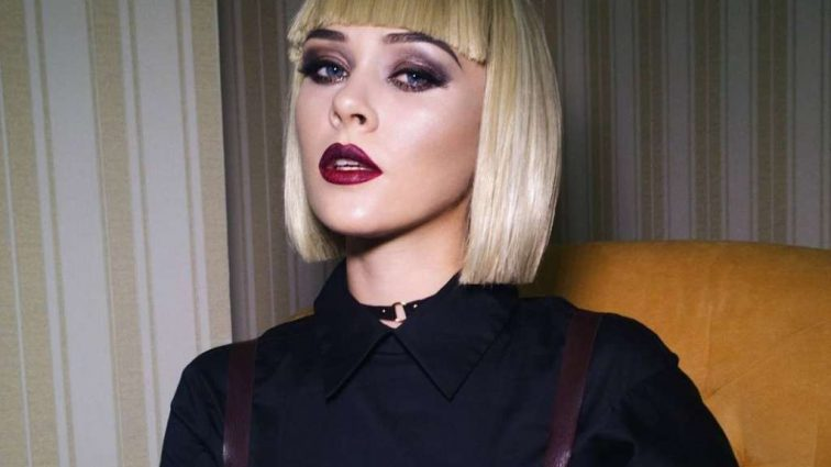 Як лялька: Солістка «Тhe Нardkiss» Юлія Саніна захопила своїм новим образом