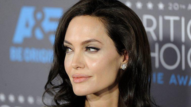 Чорно-біла зима: Анджеліна Джолі в Лос-Анджелесі