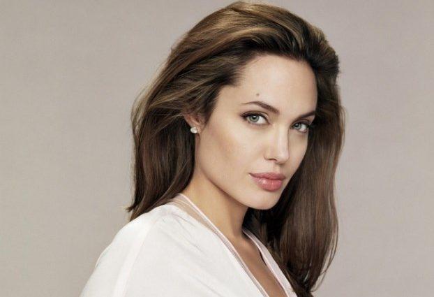 Анджеліна Джолі порадувала шанувальників шкарним виглядом