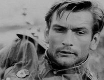 «Будем жить»: Як виглядає і чим займається легендарний співочий льотчик Володимир Талашко з фільму «В бій ідуть одні старики»