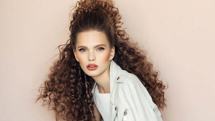 8 стильних і простих зачісок для волосся будь-якої довжини