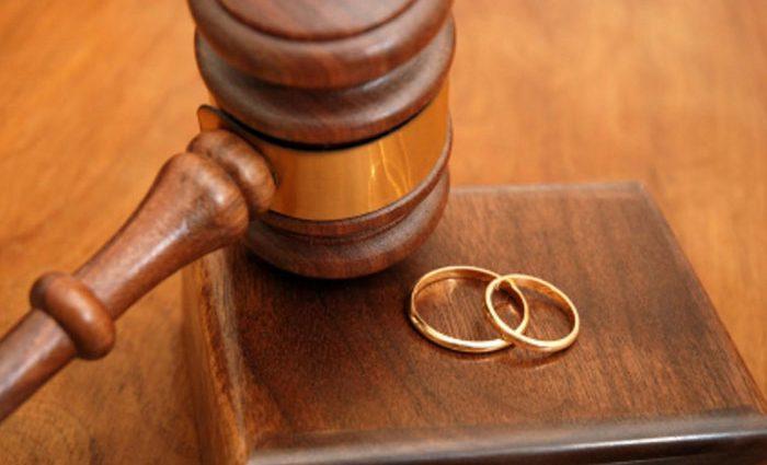 Розлучення року: Відомий актор покинув свою дружину після 22 років шлюбу