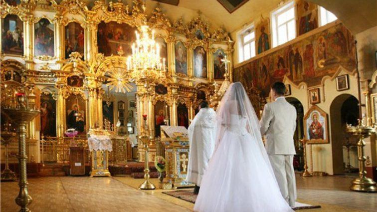 «Цей рік дав мені тебе…»: Відомий український ведучий одружується. А наречена справжня красуня!