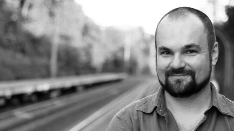 «Я вимушений поїхати назавжди»: Чому Едуард Приступа покидає Україну