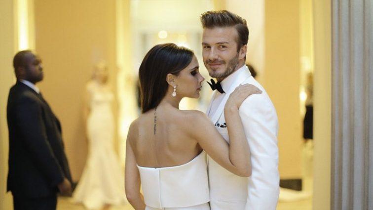 «Їхні слова кохання настільки зворушливі»: Вікторія Бекхем опублікувала романтичний знімок з чоловіком