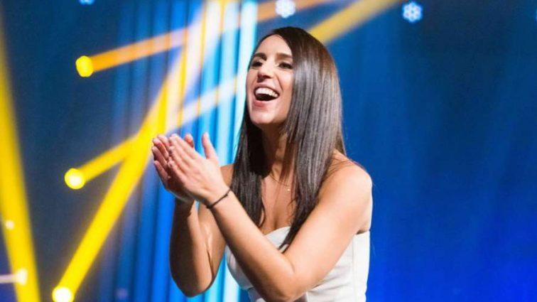 Нарешті гарно і стильно! Співачка Джамала показала неймовірну білу сукню