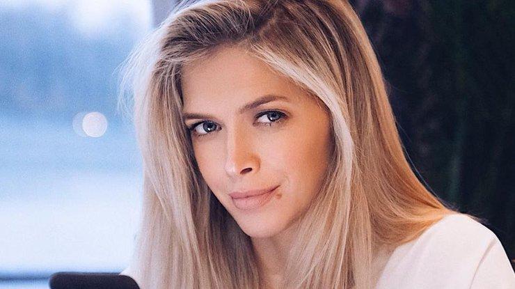 Вона трохи «пишечка» і зовсім не схожа на Віру: Брежнєва показала фото з рідною сестрою