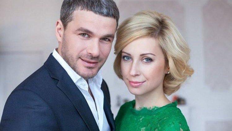Матвієнко і Мірзоян похвалилися фотографіями з медового місяця