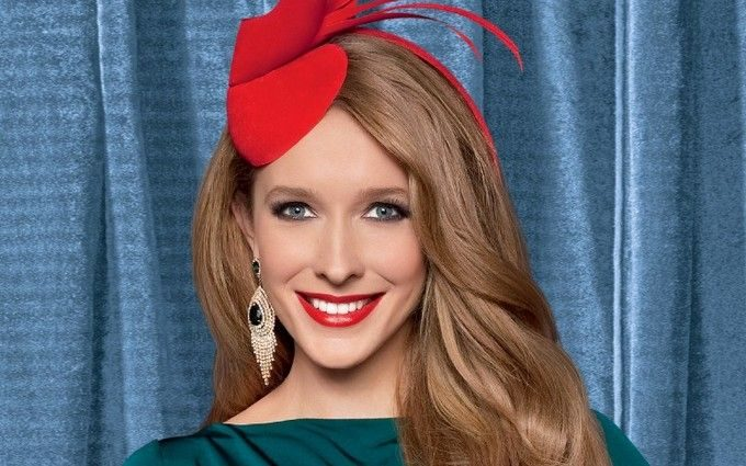 «Дівчина-весна»: Катерина Осадча зачарувала ніжним образом. Ви тільки погляньте на цю сукню