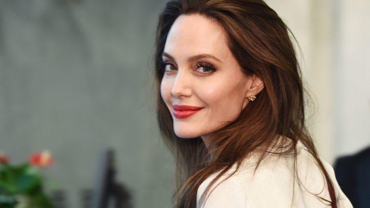 «Поступово роман переріс у кохання»: Джолі знову зібралася заміж